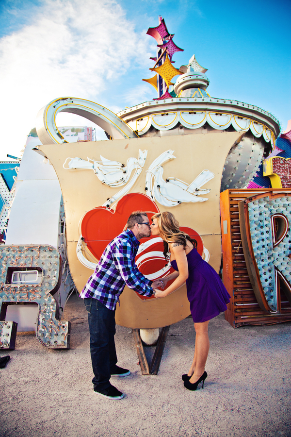 Old School Vegas Gets The Vintage Glam Touch In This Pin Worthy Engagement Shoot