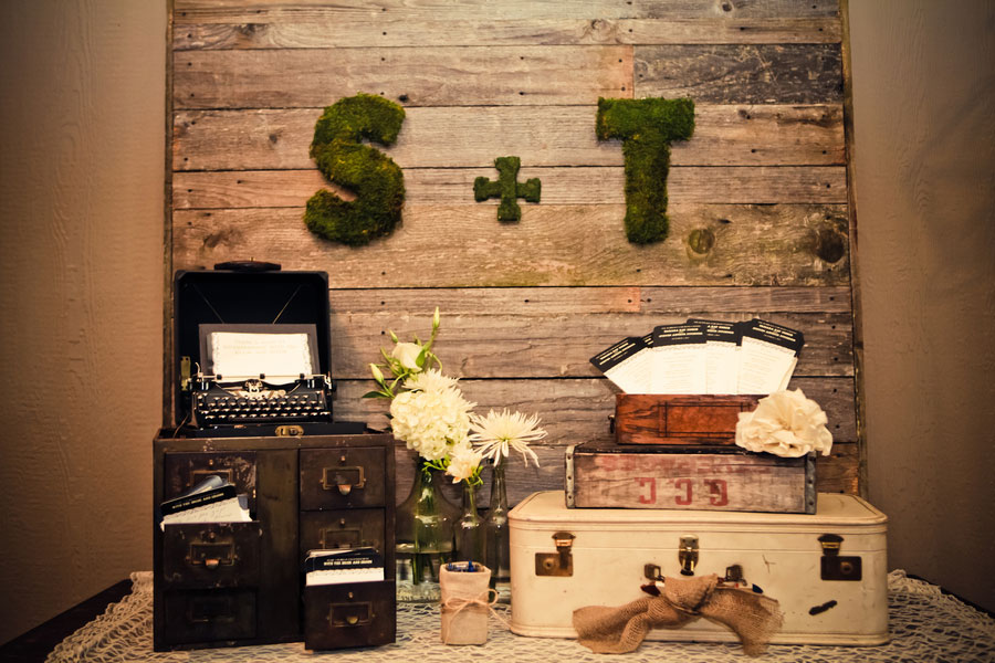 Burlap & Lace Define This DIY Dreamer's Delight In A Vintage Inspired Washington Wedding
