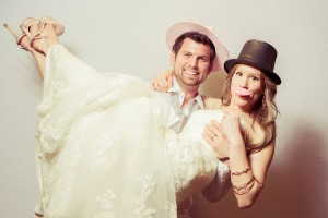 Bryn_Josh_Bohemian_Wedding_Old_Salem_Museums _and_Gardens_Aura_Marzouk_Photography_24-h