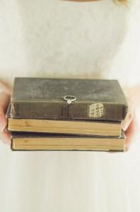 Emily Hanes Vintage Birdie Inspired Bridal Portraits Anne Brookshire Photography 10-lv