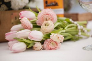 Romantic_Blush_Vintage_Wedding_Styled_Winery_Wedding_Shoot_Sarah_Crowder_Photography_19-h