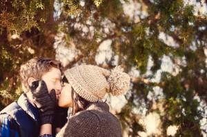 Allison_Justin_Sevier_Park_Nashville_Winter_Engagement_Photos_Jen_Yuson_Photography_1-h