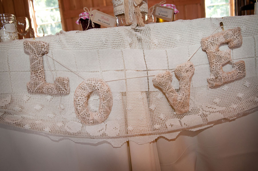 Diy Wedding Decorations With Burlap Rustic Dream Featuring Lace In