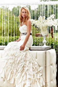 Country Club Weddings With Modern Luxury Style For Brides With Refined Flair To Boho Love | Photograph by Jim Merrill Photography