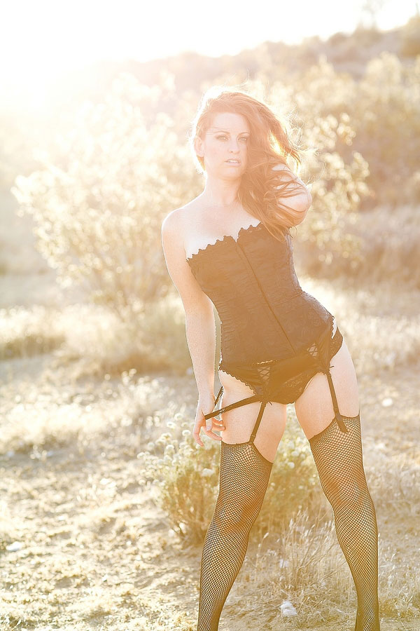 Spicy Desert Boudoir Session To Get Your Blood Boiling | Photograph by Meghan Wiesman Photography