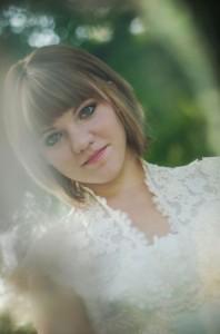Katie_Alex_Vintage_Wedding_Dress_Engagement_Photos_Elizabeth_Nord_Photography_12-v