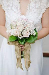Katie_Alex_Vintage_Wedding_Dress_Engagement_Photos_Elizabeth_Nord_Photography_13-lv