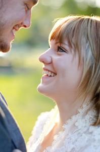 Katie_Alex_Vintage_Wedding_Dress_Engagement_Photos_Elizabeth_Nord_Photography_16-rv