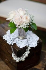 Katie_Alex_Vintage_Wedding_Dress_Engagement_Photos_Elizabeth_Nord_Photography_18-lv