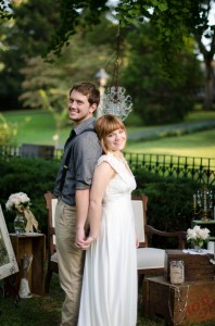 Katie_Alex_Vintage_Wedding_Dress_Engagement_Photos_Elizabeth_Nord_Photography_18-rv