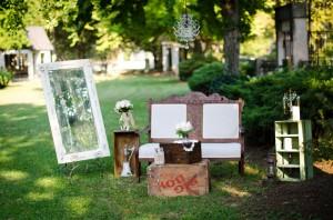 Katie_Alex_Vintage_Wedding_Dress_Engagement_Photos_Elizabeth_Nord_Photography_4-h