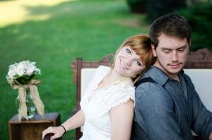 Katie_Alex_Vintage_Wedding_Dress_Engagement_Photos_Elizabeth_Nord_Photography_5-h