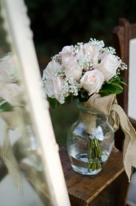 Katie_Alex_Vintage_Wedding_Dress_Engagement_Photos_Elizabeth_Nord_Photography_6-lv
