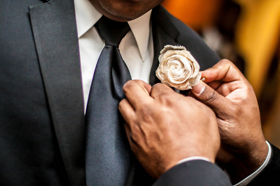 City Of Brotherly Love Plays Host To A Modern Wedding With All The Right Details | Photograph by Bartlett Pair Photography