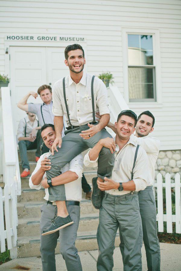 Vintage_Hipster_Barn_Wedding_Hoosier_Grove_Barn_Estanislao_Photography_21-v