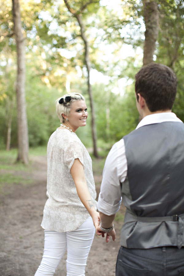 Secret Country Hideaway Plays Host To This Vintage Inspired Engagement Session | Photograph by Alicia Pyne Photography