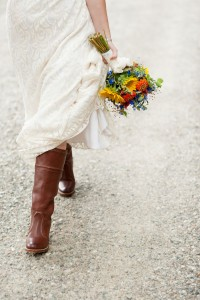 Private Lake Champlain Cottage Wedding With Country Flair & Bright...