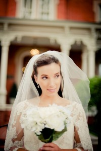 Bridal Portrait Session Filled of Lace & Classic Elegance | Photograph by Jen Yuson Photography