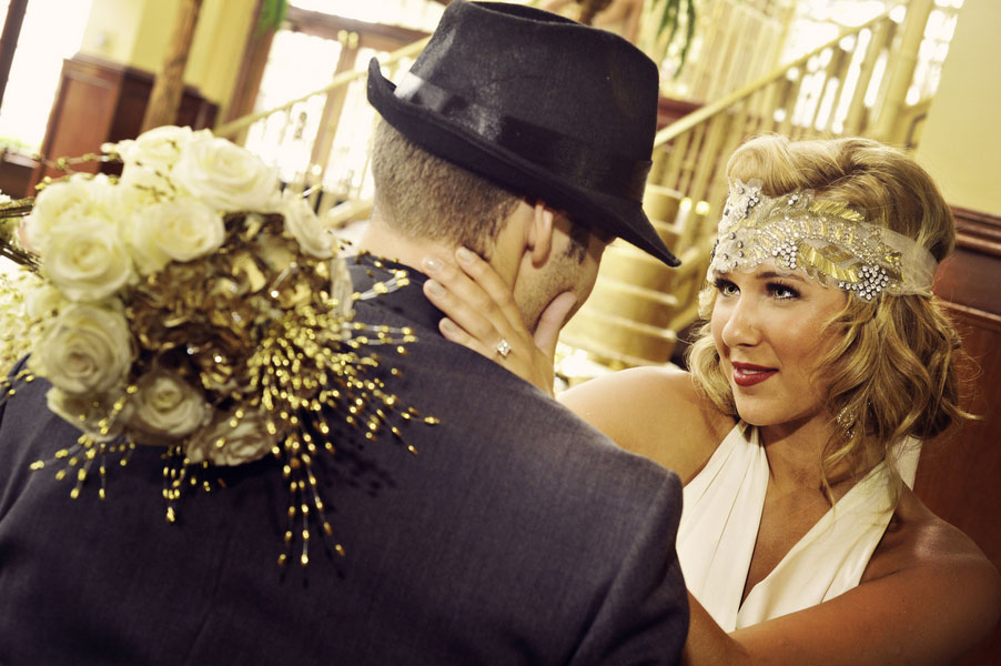 Glittery Gold Gatsby Inspired Wedding | Photograph by Misty Miotto Photography