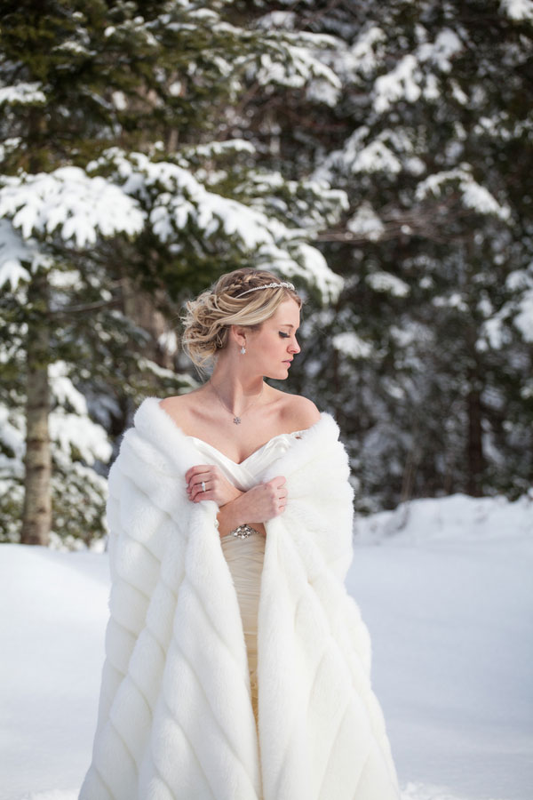 Winter Wedding | A Midday's Snowy Dream In A Winter Wonderland Of Glistening Snow, Moss & Antlers | Photograph by Wren Photography  http://storyboardwedding.com/a-middays-snowy-dream-in-a-winter-wonderland-of-glistening-snow-moss-antlers/