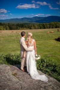 Sarah_Chris_Trapp_Family_Lodge_Wedding_Stowe_Vermont_Kathleen_Landwehrle_Photography_12-lv