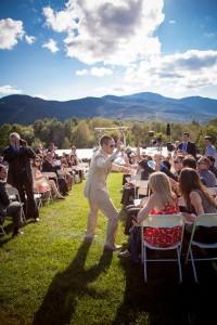 Sarah_Chris_Trapp_Family_Lodge_Wedding_Stowe_Vermont_Kathleen_Landwehrle_Photography_16-lv
