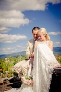 Sarah_Chris_Trapp_Family_Lodge_Wedding_Stowe_Vermont_Kathleen_Landwehrle_Photography_29-lv