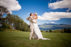 Sarah_Chris_Trapp_Family_Lodge_Wedding_Stowe_Vermont_Kathleen_Landwehrle_Photography_31-h