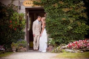 Sarah_Chris_Trapp_Family_Lodge_Wedding_Stowe_Vermont_Kathleen_Landwehrle_Photography_32-h
