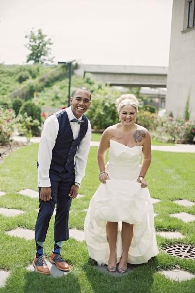 Sarah_Isaiah_Vintage_Shabby_Chic_Minneapolis_Wedding_Snap_Grin_Photography_14-v