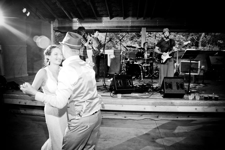 Music Inspired Planet Bluegrass Ranch Outdoor Colorado Wedding | Photograph by Elevate Photography