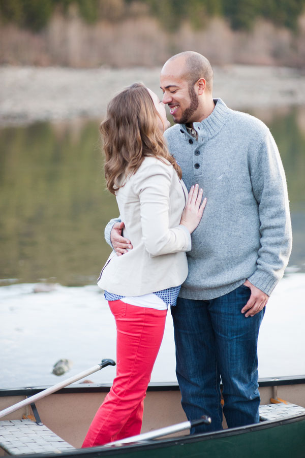 A Slice Of Americana In This Rattlesnake Lake Engagement Session | Photograph by Blue Rose Photography