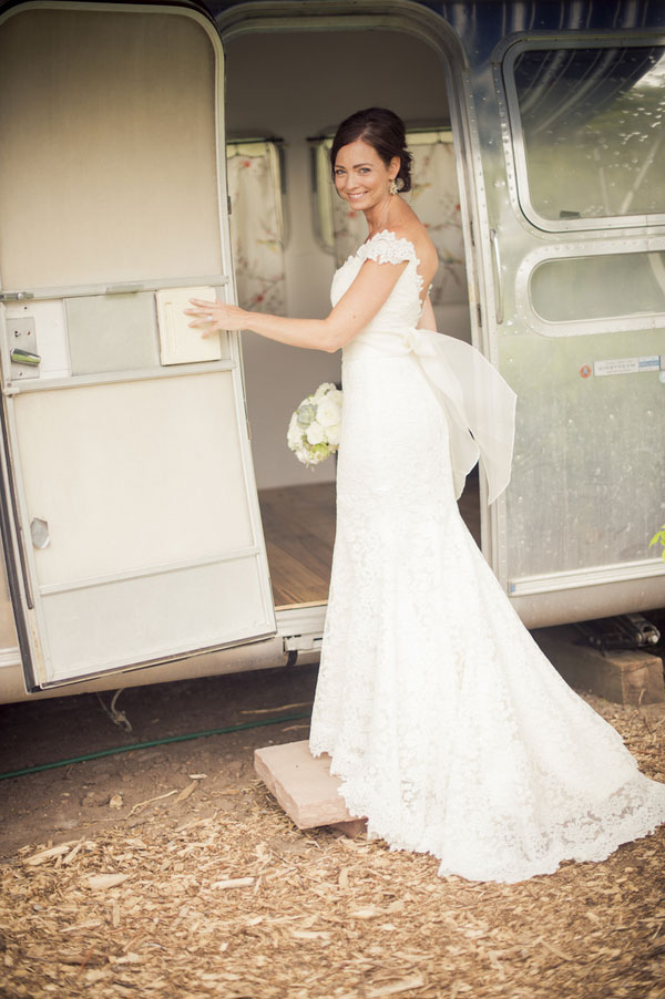 Gorgeous Eco-Friendly Country Chic Outdoor Colorado Wedding At Lyons Farmette | Photograph by Ashley Davis Photography