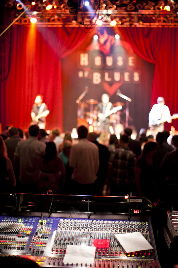 House of Blues San Diego Plays Hosts To International Couple