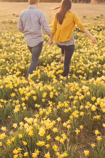 Daffodil_Field_Engagement_Photos_Portland_Tennessee_IBW_Photography_11-rv