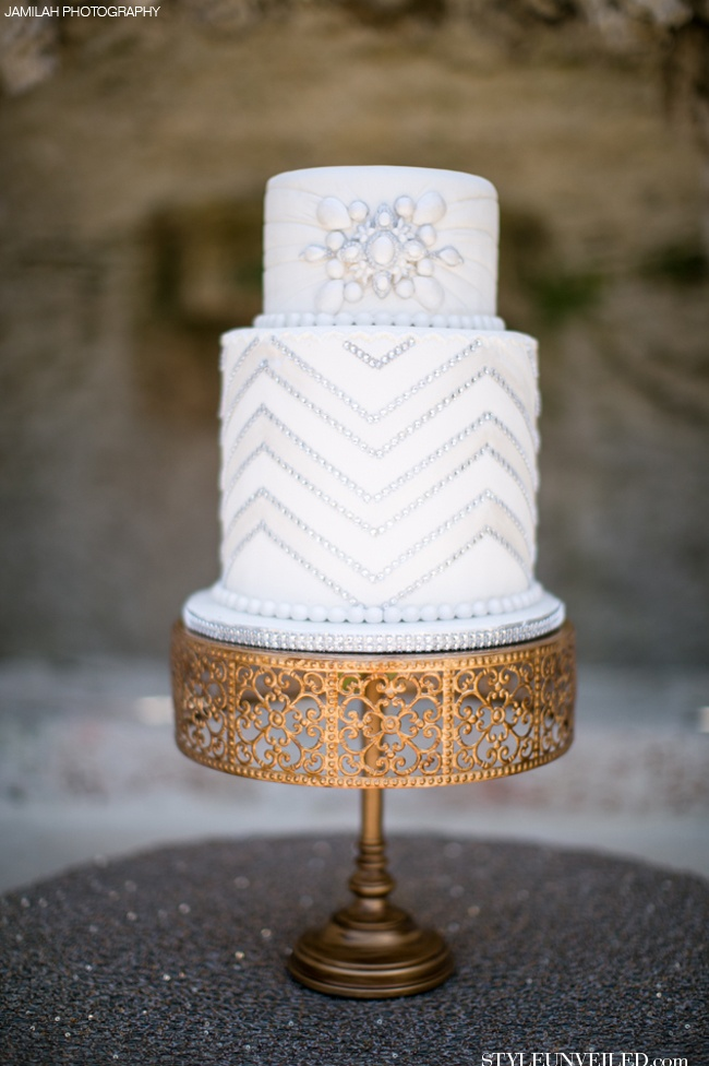 Art Deco Inspired Wedding Cake : Why It Works Wednesday: Flapper Inspired Art Deco Wedding ...