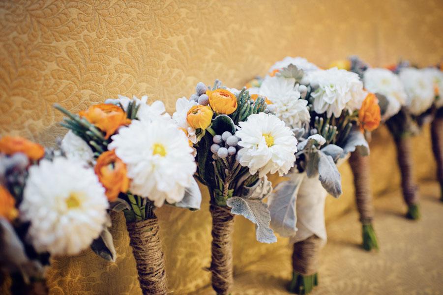 Wonderfully Styled DIY Wedding With Southern Louisiana Charm & Sophistication   Photograph by Mark Eric Weddings