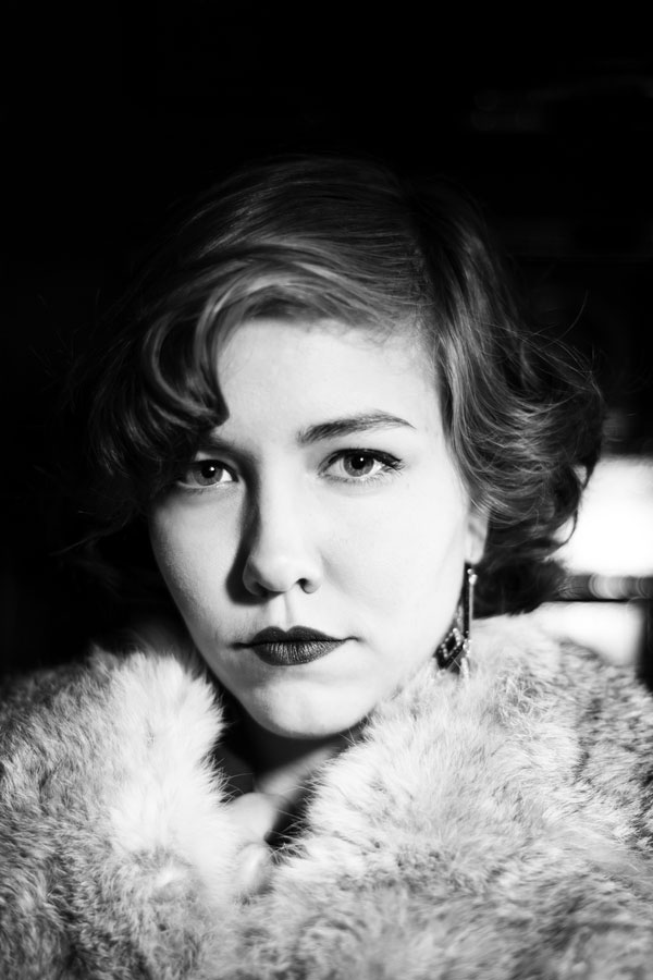 Phenomenal 1940s Black & White Film Noir Engagement Photos | Photograph by Zee Anna Photography