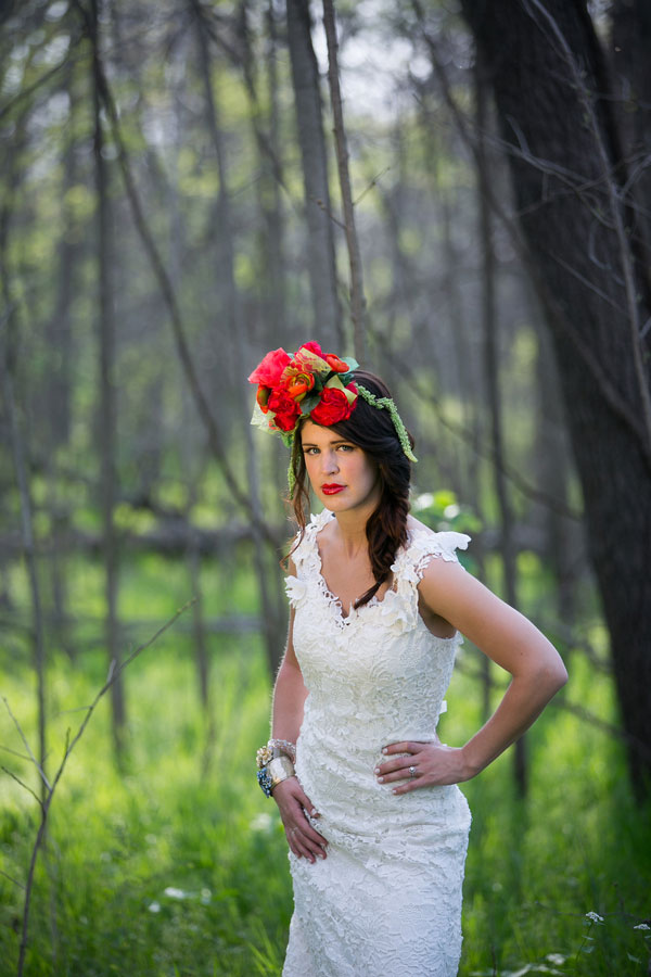 Falling In Love With Bridal Headpieces By The Yellow Peony |  Photograph by Pond Photography