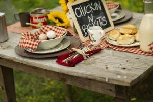 Country_Cute_Rustic_Farm_House_Engagement_Session_2-h