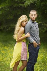 Country_Cute_Rustic_Farm_House_Engagement_Session_22-v