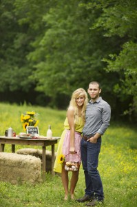 Country_Cute_Rustic_Farm_House_Engagement_Session_31-rv