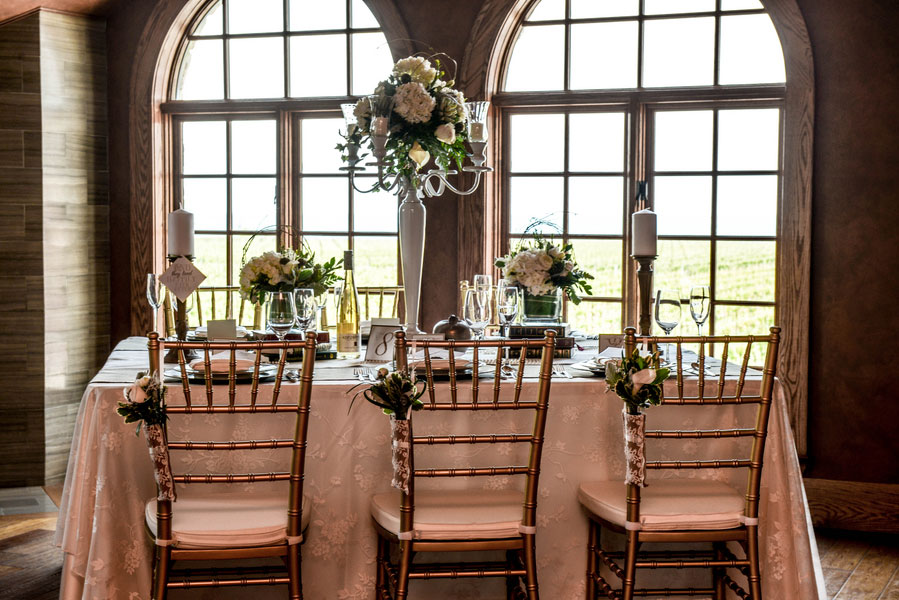 Royal Luxury At The Konzelmann Estate Winery Wedding In Neutrals & Metallics | Photograph by Flashes of Inspiration  https://www.storyboardwedding.com/royal-luxury-konzelmann-estate-winery-wedding/
