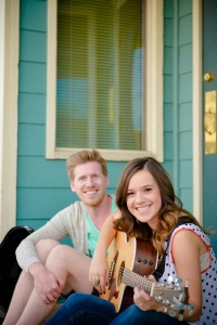 Coffee House Street Musician Engagement Session Elevate Photography (13)