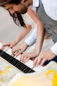 Sing_for_Hope_NYC_Parks_Musician_Engagement_Session_Casey_Fatchett_Photography_10-lv
