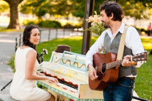 Sing_for_Hope_NYC_Parks_Musician_Engagement_Session_Casey_Fatchett_Photography_3-h