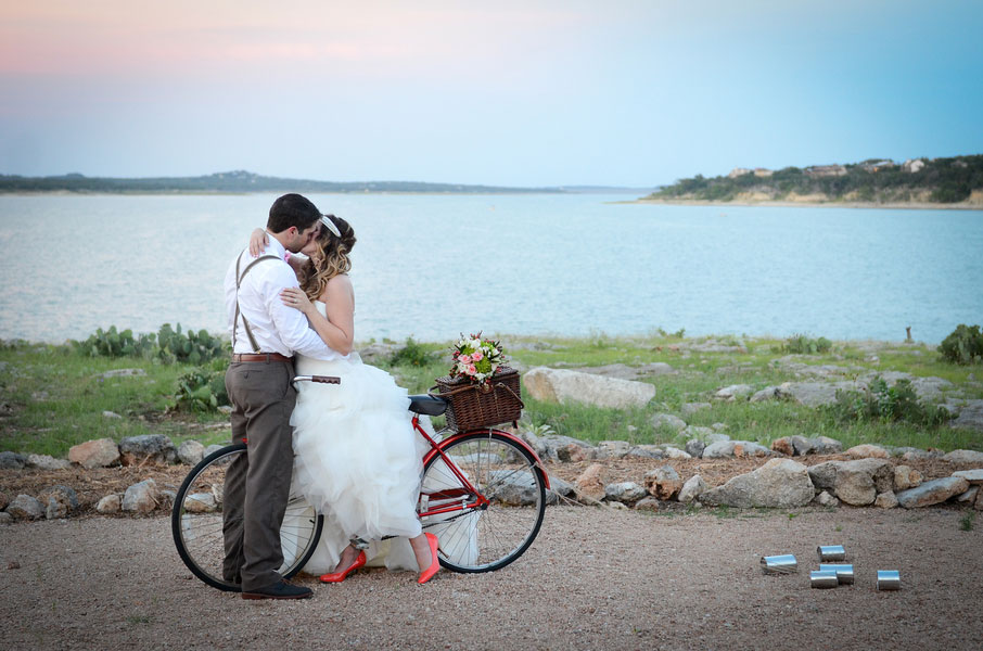 Romantic Bohemian Chic Austin Texas Style Set Among The Deer Filled Fields Of Events at the Pointe
