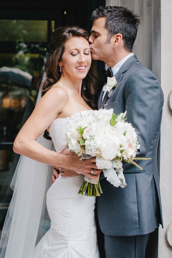 Southern Sophistication & Class In This Modern Elegant Charleston South Carolina Wedding | Photograph by Riverland Studios