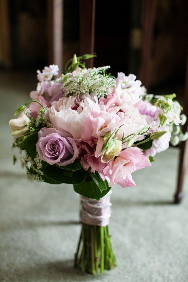 Offbeat_Whimsical_Wedding_Llamas_Grant_and_Deb_Photographers_3-rv