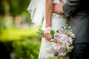 Offbeat_Whimsical_Wedding_Llamas_Grant_and_Deb_Photographers_9-h